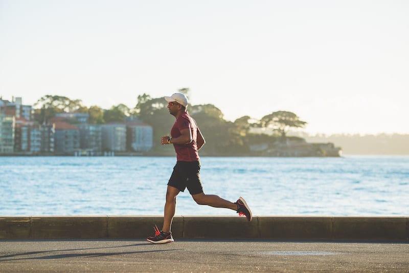 pratiquant de course à pied